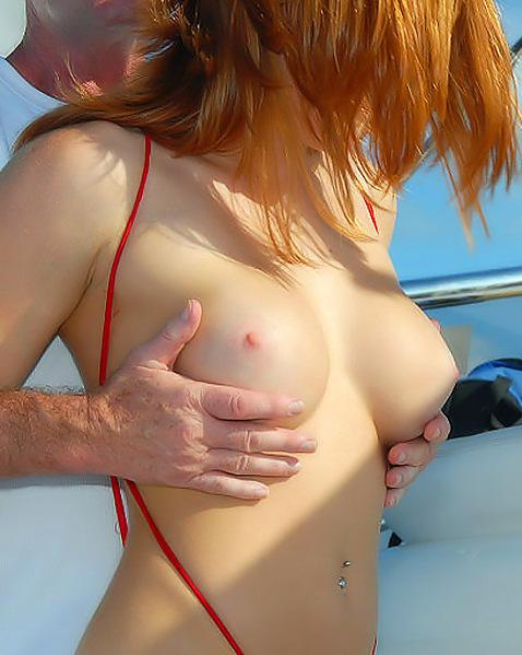 Грубый секс в анус с бабой в стрингах на яхте