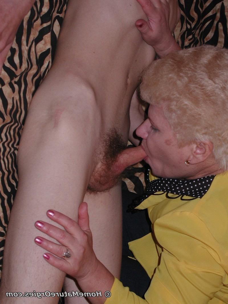 Бабульки обожают 19-летние члены