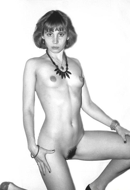 Маленько интимных снимков в черно-белых тонах