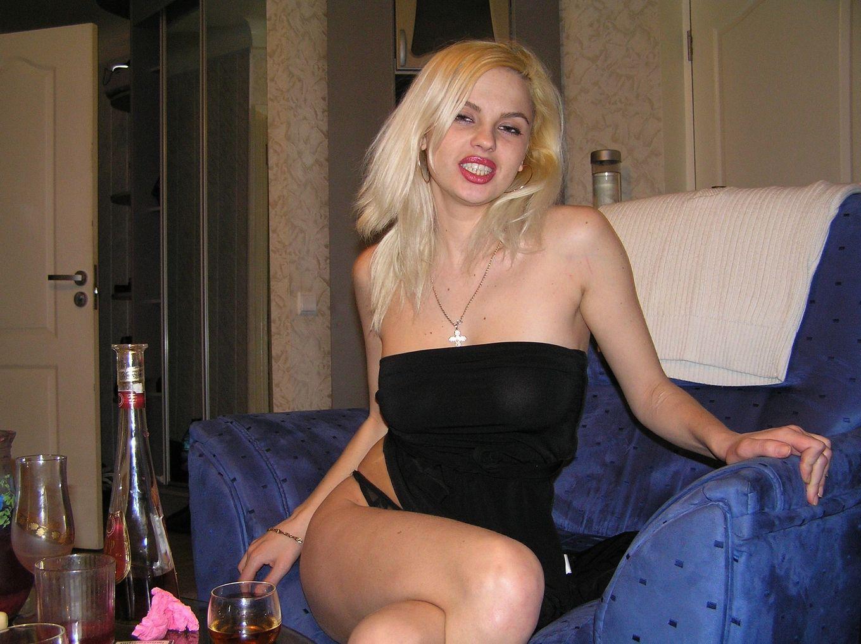 Блондинистая русская стройняшка