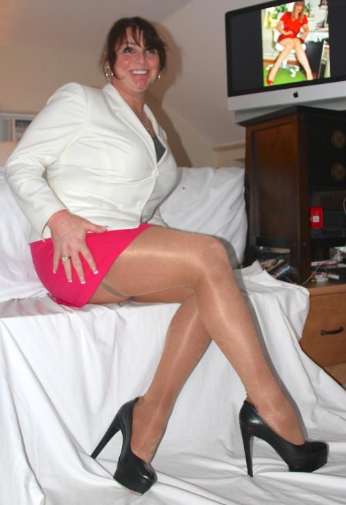 Милые ноги в колготках какой-то особы женского пола из Вермонта