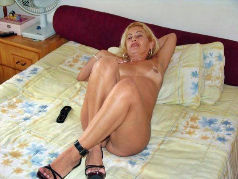 Латинская тетка Эсмеральда с приличной сракой